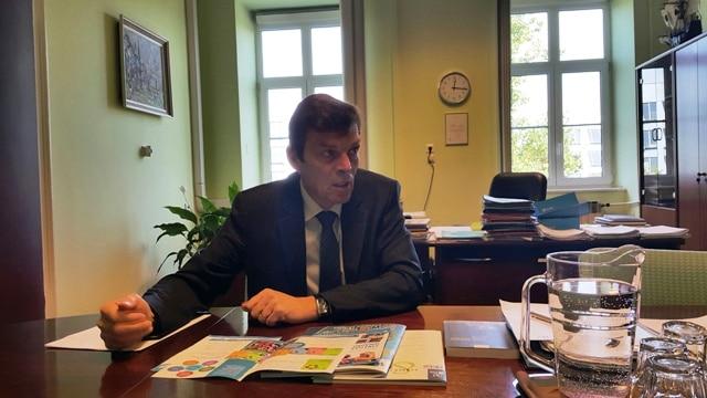 Intervju z dr. Vinkom Logajem
